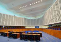 El Tribunal Europeo de Derechos Humanos (TEDH) ha dictaminado que la critica de Mahoma, el fundador del Islam, constituye una incitación al odio y, por lo tanto, no se encuentra protegida por la libertad de expresión. Imagen: una sala de audiencias del TEDH en Estrasburgo, Francia.