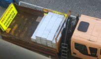 Imagen del camión cargado de documentos de la Junta de Andalucía. - COPE CÁDIZ