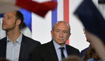 """Gérard Collomb (centro), ministro francés del Interior hasta el mes pasado y actual alcalde de Lyon, es aparentemente pesimista el devenir de su país. """"Es difícil hacer una estimación, pero diría que en cinco años la situación será irreversible. Si, tenemos cinco o seis años para evitar lo peor"""", declaró recientemente."""