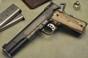 """Colt 1911 """"Custom"""""""