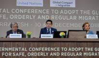 El ministro de Relaciones Exteriores de Marruecos, Nasser Bourita, habla durante una conferencia para el Pacto Mundial para la Migración