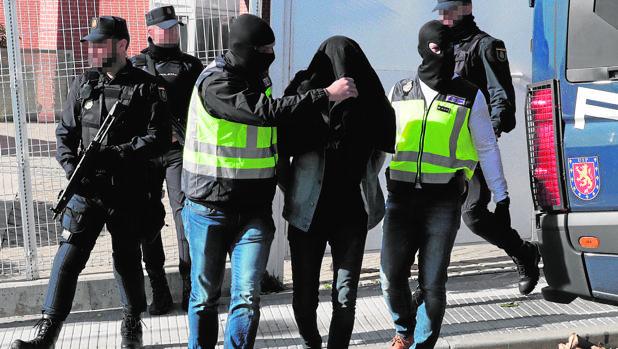 Imagen de archivo de una detención de la Policía Nacional
