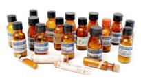Frascos con medicamentos homeopáticos