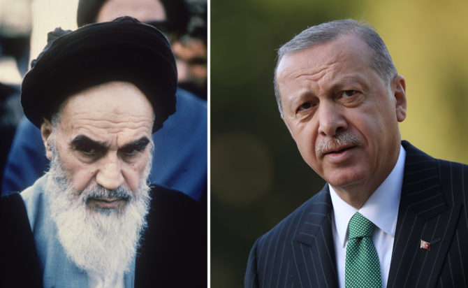A la izquierda, el ayatolá iraní Ruholá Jomeini (1978); a la derecha, el presidente de Turquía, Recep Tayyip Erdogan (2018).