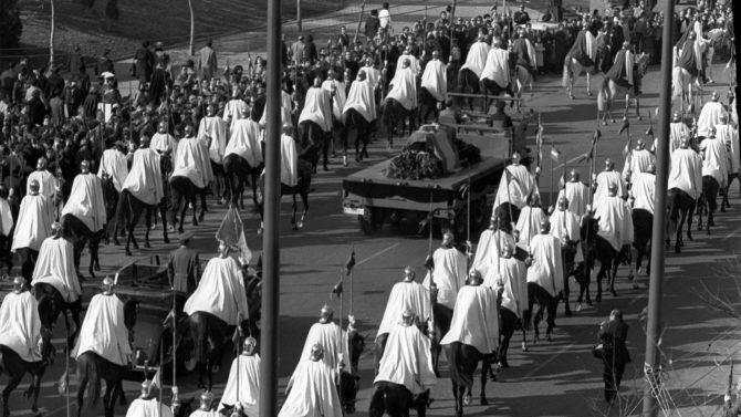 Traslado de los restos mortales de Franco desde el Palacio Real al Valle de los Caídos