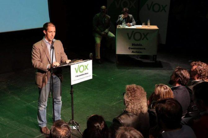 Víctor González, en una asamblea de Vox en Madrid, en octubre de 2015.