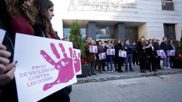 Concentración en Burriana contra la violencia de género