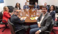 Los equipos negociadores del PP y Ciudadanos en Andalucía.
