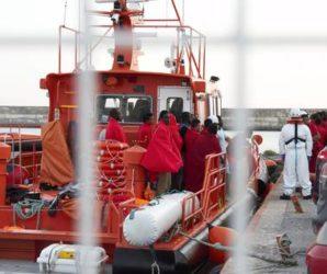 Rescatadas 331 personas, entre ellas 70 mujeres y 19 menores, de cinco pateras en el Mar de Alborán