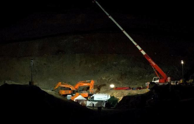 Imagen de los trabajos de rescate en el cerro de Totalán.