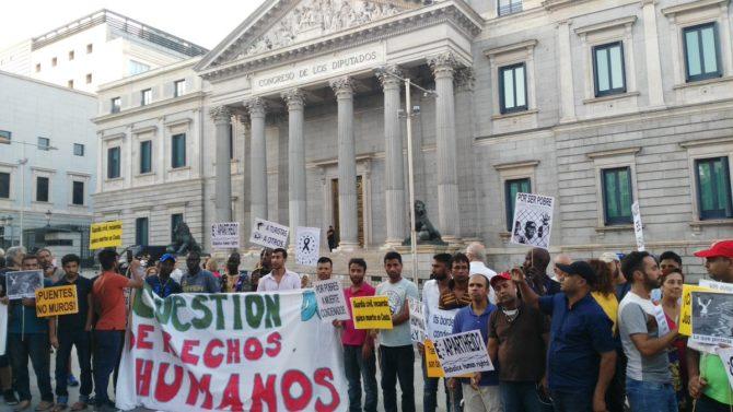 Concentración en Madrid contra las devoluciones de inmigrantes a Marruecos