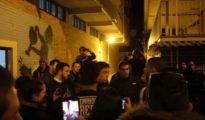 Errejón con las juventudes del Frente Obrero en el barrio de la UVA