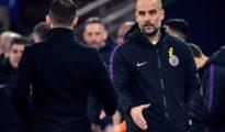 Pep Guardiola lució el lazo amarillo en el partido de 'Champions' frente al Schalke 04.