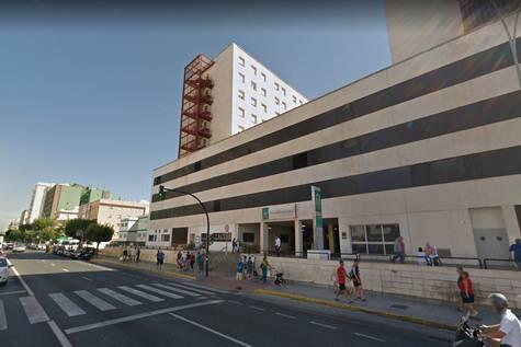 Una imagen del Hospital Puerta de Mar de Cádiz, donde permanecía ingresado el pequeño.