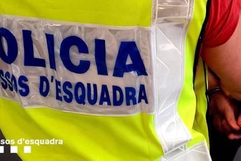 Foto de archivo de una detención de los mossos@mossos