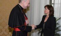 La ministra Carmen Calvo y el cardenal Pietro Parolin durante una reunión.