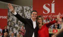 Pedro Sánchez y su mujer