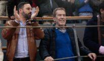 El lider de VOX, Santiago Abascal, junto a Sanchez Dragó, en los toros (El Mundo)