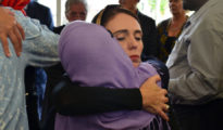 Jacinda Ardern visitó a líderes musulmanes en Christchurch