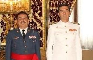 Mestre Barea, a la izquierda, en un acto oficial en Zarzuela (El Periódico de Aragón)