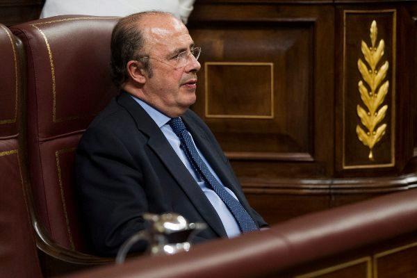 Ignacio Gil Lázaro, en su escaño del Congreso de los Diputados. (El Mundo)