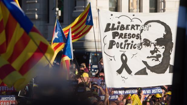 Manifestación independentista de Madrid, a su llegada a la Plaza de Cibeles