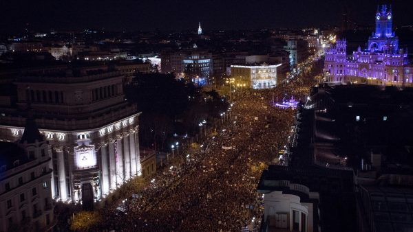 Otra imagen aérea de la manifestación feminista en Madrid.