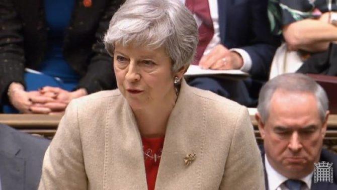 Theresa May, durante su intervención en el Parlamento