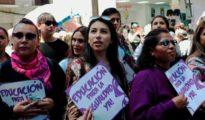 Varias mujeres en La Paz (Bolivia) en el Día Internacional de la Mujer celebrado este 8 de marzo