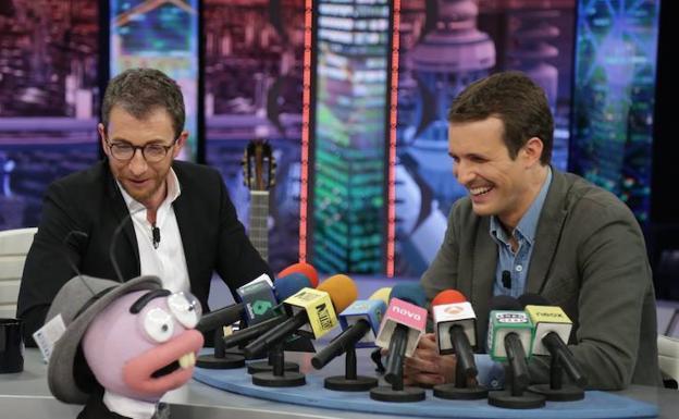 Pablo Casado junto a Pablo Motos en 'El Hormiguero'. / ANTENA 3
