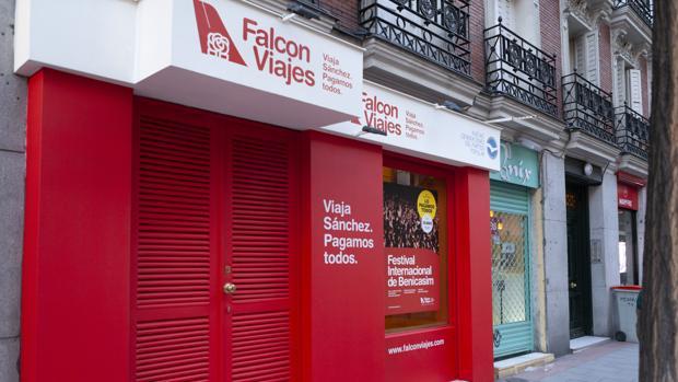«Falcon Viajes», en el número 56 de la calle Ferraz (Madrid)