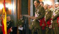 El teniente general José Mena Aguado, durante su discurso en la Pascua Militar de 2006