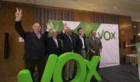 Antonio de la Torre, segundo por la izquierda, durante la presentación de Vox en 2014. Completan la imagen Quirós, Vidal-Quadras, Espinosa de los Monteros e Ignacio Camuñas