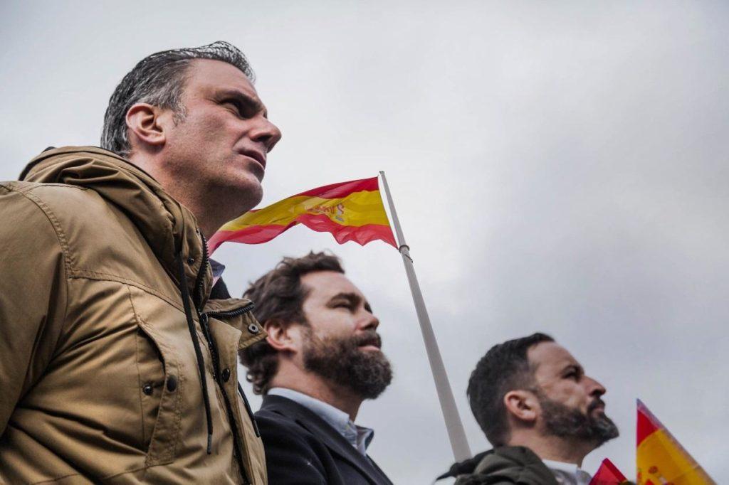 Ortega Smith, Espinosa y Santiago Abascal en la manifestación de Colón