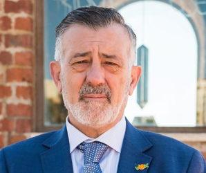 José Enrique Lara.